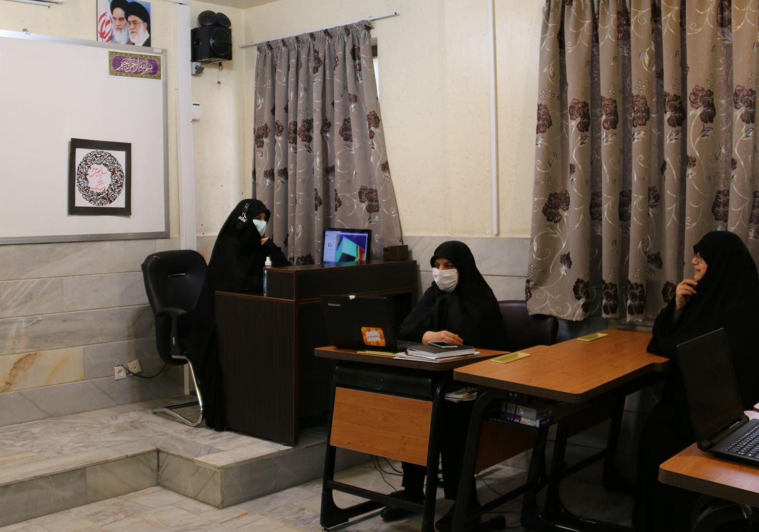 آغاز مهر هنرستان دخترانه رفاه با آموزش آنلاین