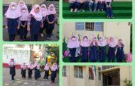 حضور دانش آموزان پایه دوم دبستان در مدرسه
